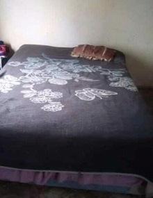 42. Ngomane bed 1