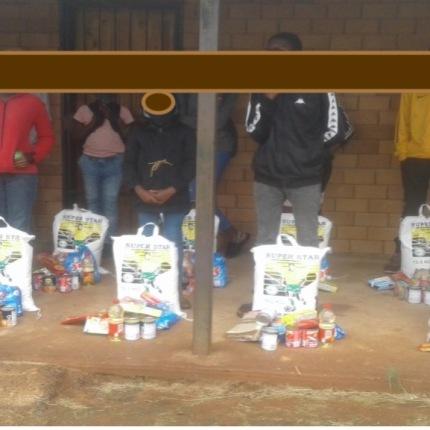 4a.Jan food parcels blur