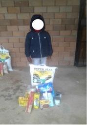 10. Gomotso Thulare food parcel blur copy